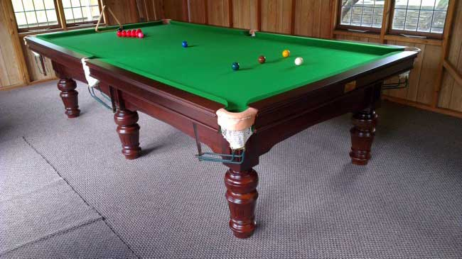 9ft Snooker Table